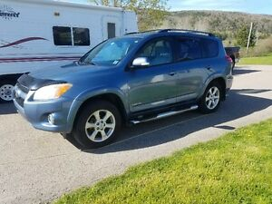 2009 Toyota RAV4 Limited Edition SUV, Crossover