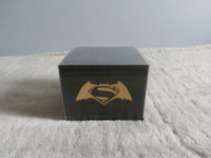 Batman v Superman: Dawn of Justice 14K Gold Coin (LIMITED)