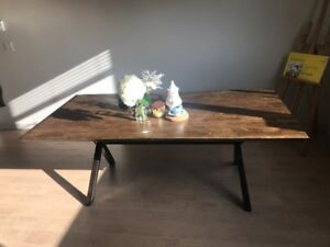Mango tree solid wood Dining table (6 ~ 8ppl, 1 year old)