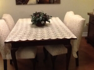 Hand Crocheted Vintage Lace Table Cloth - VG Condition