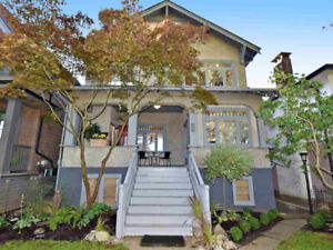 Great Income Producing ; 4 Level Heritage Style Legal Triplex