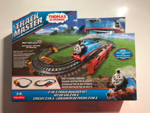 Thomas & Friends TrackMaster 2-in-1 Track Builder Train Set