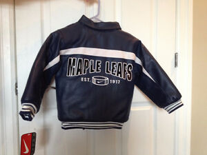 Nike NHL Toronto Maple Leafs Boys Jacket New with tags size 6 Kitchener / Waterloo Kitchener Area image 2