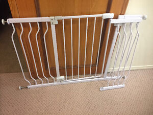Summer sure and secure extra wide walk thru gate