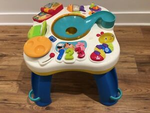 Bright Starts Having a Ball Get Rollin Activity Table  (Used) West Island Greater Montréal image 2