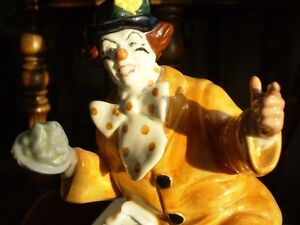 "Royal Doulton Figurine - "" The Clown "" HN2890 Kitchener / Waterloo Kitchener Area image 8"