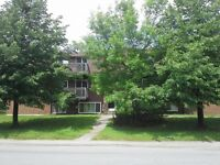 450/460 Ellerdale St., East, 1 and 2 Bdrm, $300 Dep., H & L Incl