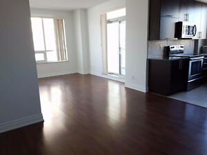 2 + 1 Condo For Rent in Markham (Hwy7 & Warden)