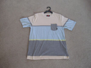 BOYS/YOUTH T-SHIRT SIZE SMALL