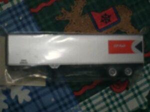 HO scale CP Rail trailer with Pac-Man for electric model trains