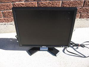 DELL MONITOR 19 INCH EXCELLENT CONDITION