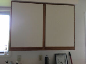 Various size kitchen cabinet doors with hinges