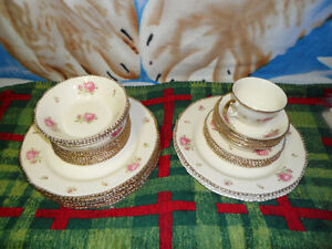 Woods Ivoryware Vintage English China 32 pieces.  $100.