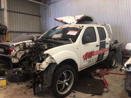 2007 Nissan Navara wrecking for parts
