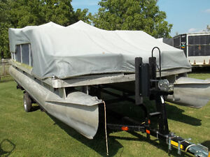 Pontoon Boat with Trailer for Sale