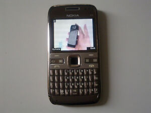 Unlocked Nokia E72 keyboard phone, 5MP camera, gps navigation