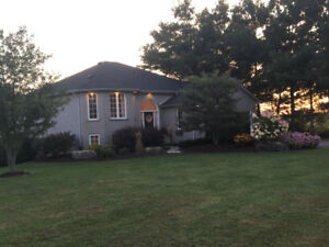 House for sale with 5 acres in Brant County