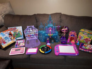 *HUGE TOY LOT IN GREAT CONDITION*