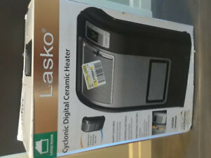 Lasko Cyclonic Digital Ceramic Heater 1500W