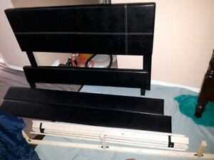 Queen Bed Frame, Like New, Leather, Black