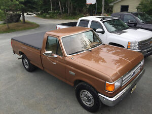 1987 Ford F-250 in great comdition