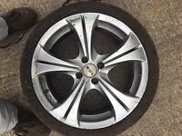 "4x100 17"" alloy wheels"