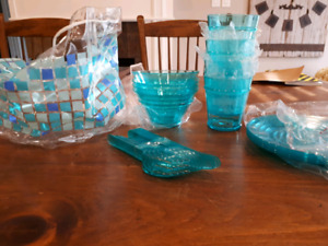 Picnic Dishes for 4 - NEW