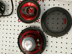 Roadmaster 5 & a quarter inch three way audio speakers as525