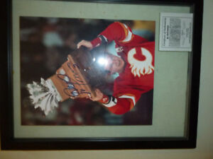 NHL Flames Al MacInnis Autographed Framed Picture - Authentic