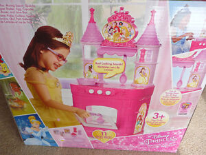 Brand New Disney Princess Magical Kitchen Playset