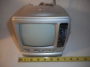 "5"" Portable Black & White Television with AM /FM Radio..New"