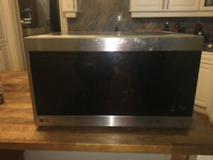 LG MICROWAVE - good condition, modern, functional