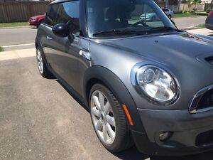 2007 Mini Cooper S -fully loaded- amazing condition