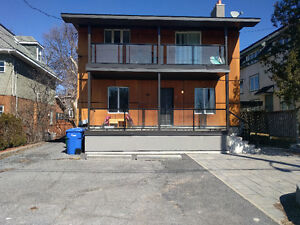 3BR Multi-Floor Student Apartment By/Across from Carleton