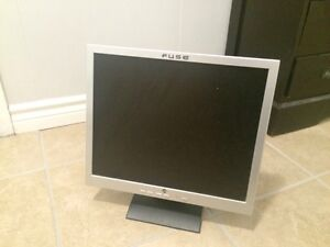 Fuse lcd monitor 19""