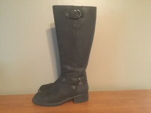 Women's Tall Leather Boots London Ontario image 1