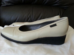 BALLY Leather Shoes Sz. M