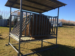 hay bale feeder for horses/sheep