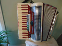 very NICE ACCORDION 7 different sounds