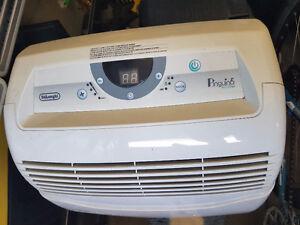 DeLonghi Portable Air Conditioner CT90