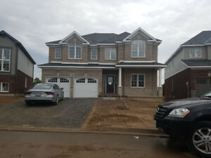 "House (Detached) for Rent  4 Bedroom 2850"" Fonthill, Pelham"