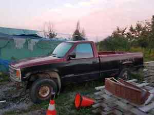 90 chev 1500 4x4 best cash offer by weekend and it's yours