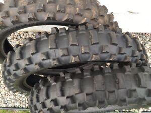 Lot de pneus motocross 19&21 po Saguenay Saguenay-Lac-Saint-Jean image 4