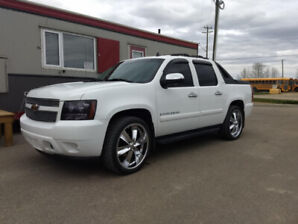 2007 Chevy Avalanche LTZ Low kms