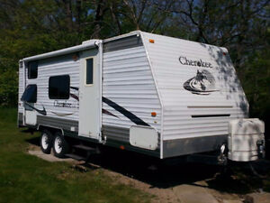 2006 Cherokee 23DD Travel Trailer