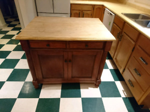 Kitchen island (movable)