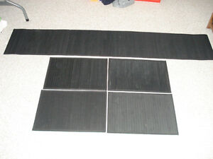 4 Bamboo Placemats and Table Runner Kitchener / Waterloo Kitchener Area image 1
