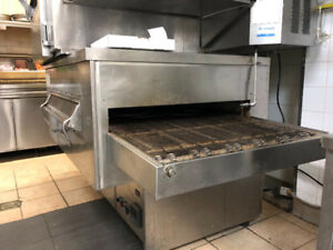 Restaurant equipment (Pizza Oven/Ventillation/little oven)