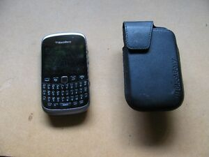 BLACKBERRY CURVE cellphone pay and talk with Telus