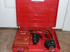 PERCEUSE A BATTERIE HILTI